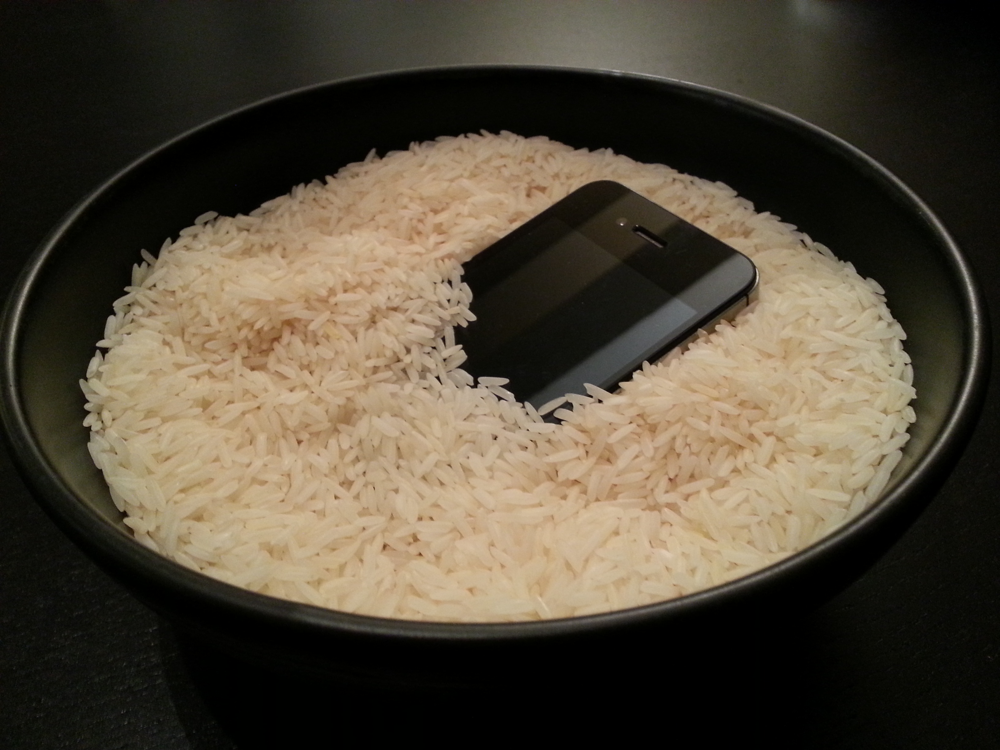 Mettre un cellulaire dans le riz